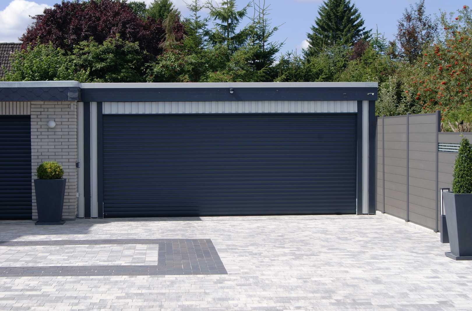 Garage Sektionaltor anthrazit modern gra