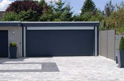 Garage Sektionaltor anthrazit modern grau