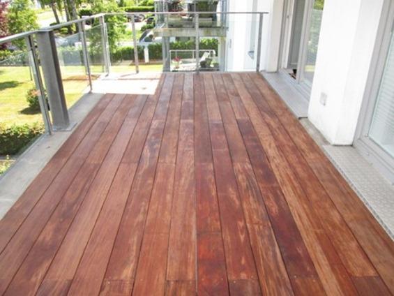 Terrasse rot schön Walaba besonders Holz