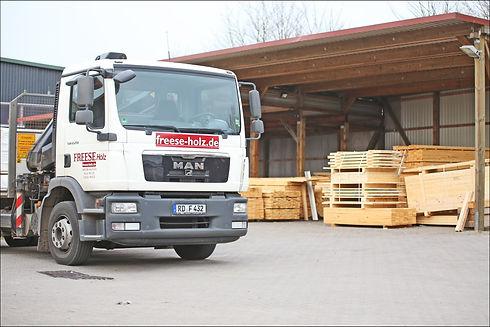 Lieferservice Holzhandel FREESE Holz.jpg
