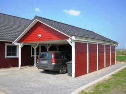 Satteldach Carport schwedenrot weiß gestrichen