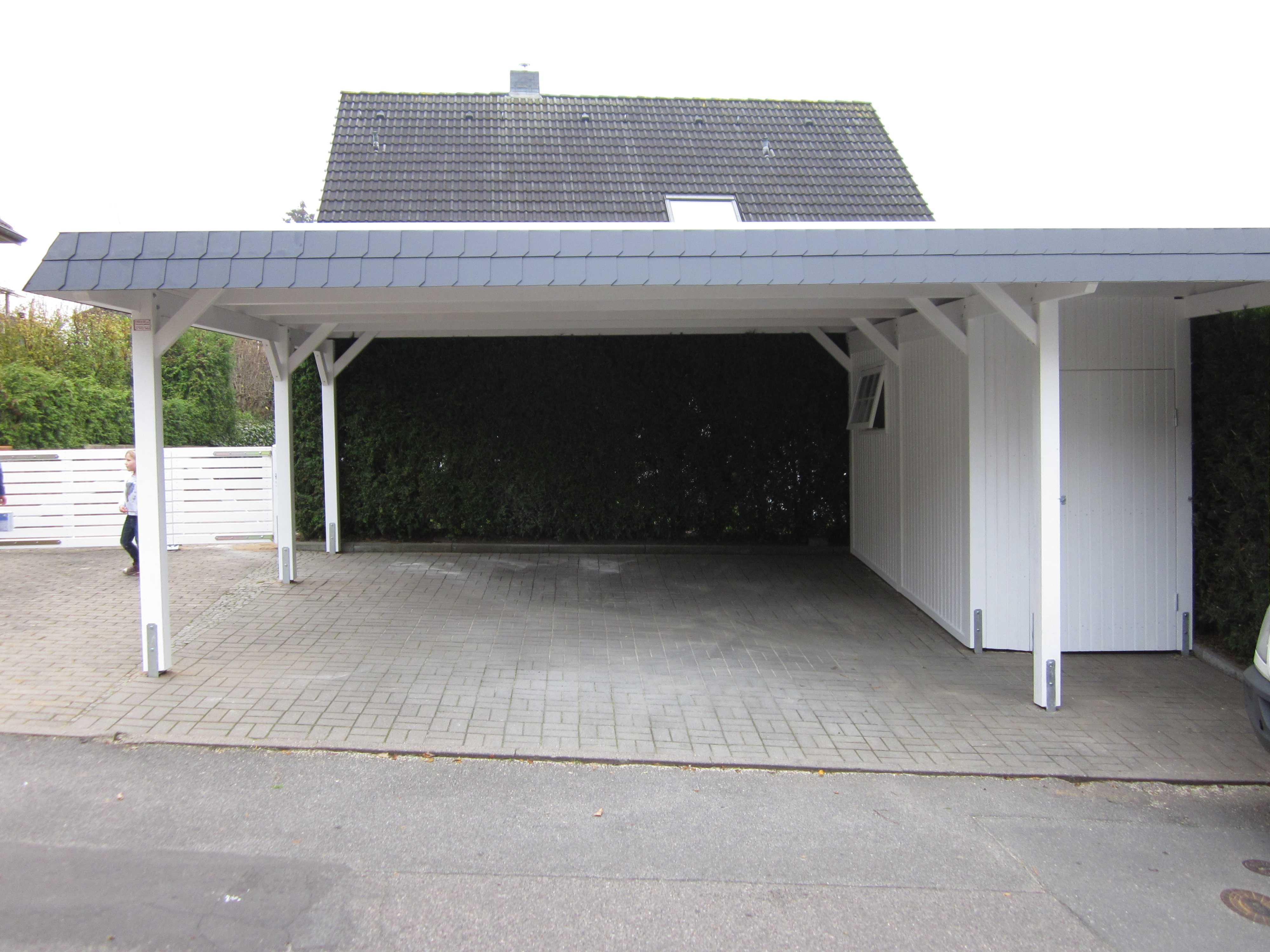 Carport Schieferblende Flachdach weiß