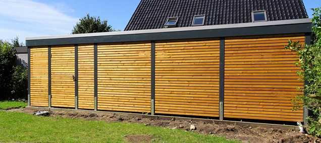 Carport modern mit Abstellraum Holz