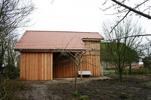 Carport mit Satteldach groß rote Dachpfannen