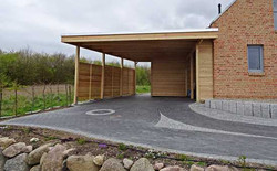 Carport modern natur kubus Lärchenholz