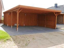 Lärchenholz-Carport mit Abstellraum
