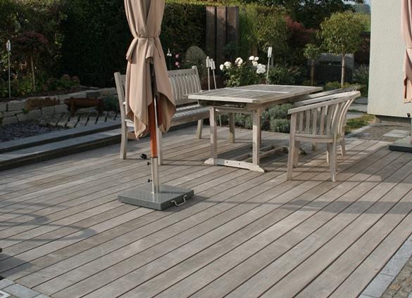 Terrasse Walaba ergraut Holz schön