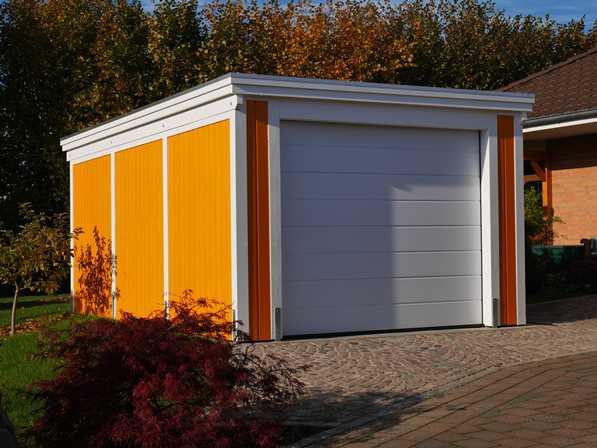 Garage aus Holz farblich behandelt mit S