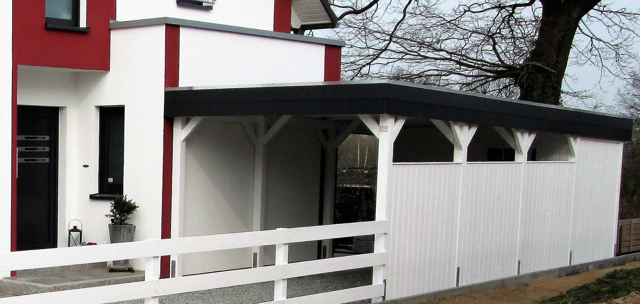 Carport Einzelstellplatz Schieferblende weiß gestrichen Ahrensburg