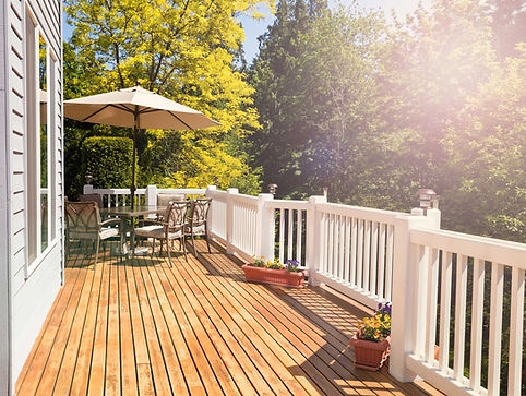 Terrasse Holz Sonne klein.jpg
