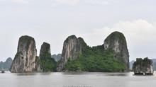 Thăm vịnh Hạ Long