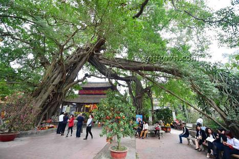 Phố Hiến: Đền Mẫu - Đền Trần - Chùa Chuông