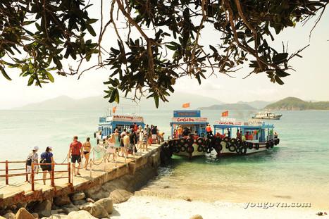 Cánh buồm phiêu du trên biển Nha Trang