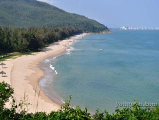 Bãi biển Quy Hòa - Mộ Hàn Mạc Tử