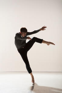 Transitions Dance Company  Photo / Llun: Chris Nash