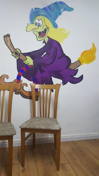 מכשפה.jpg