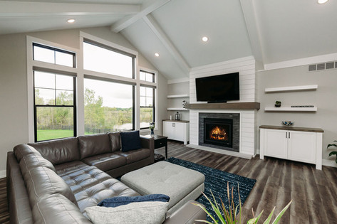 Main Living Space Vaulted Ceiling