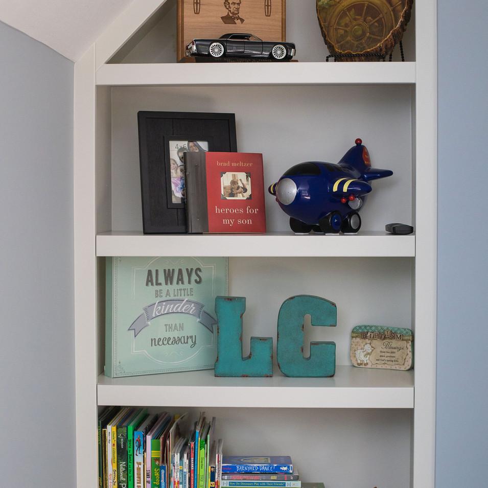 Boy's Bedroom Built-in Bookshelf