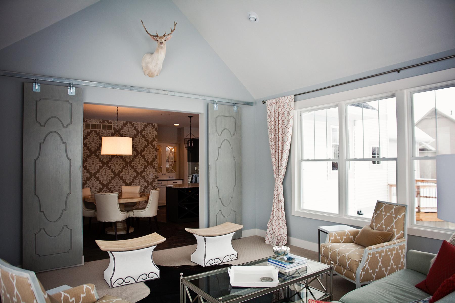 dk-homes-sunroom-deer-mount
