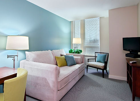 Boston-Hope-lodge-guestroom-sitting.jpg