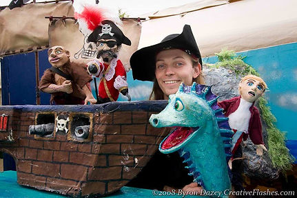 dragon-theater-pirate-and-his-pet_edited
