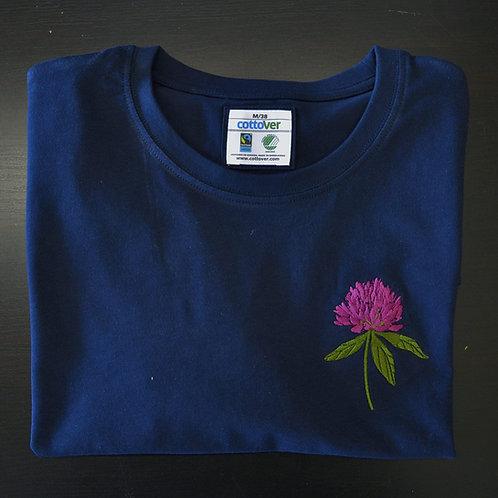 Trifolium pratense Tshirt♀️