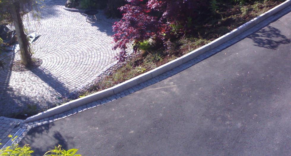 Avgrensing mot asfalt.jpg