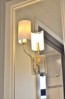Matchende lamper i antikk messing