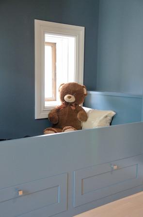 Bamsefar koser seg i ny seng i påvente av innflytting😉