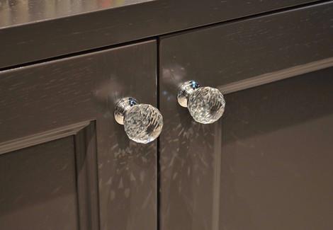Krystallknotter i glass fra Beslagteknikk