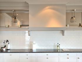 Et kjøkken klenodie tilpasset skråtak