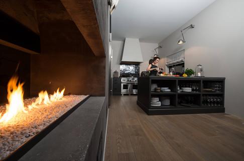 Åpne flammer skaper liv og atmosfære