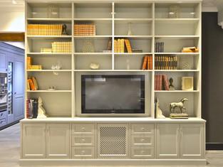 Kraftig bokhylle og TV skap i varm grå høyglans
