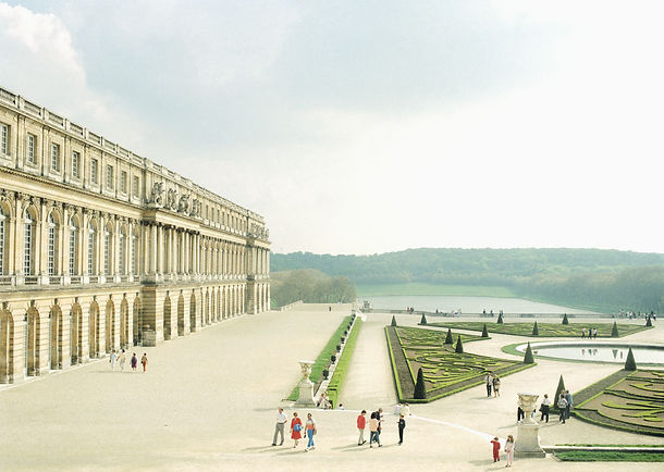 Versailles_-1985-.jpg