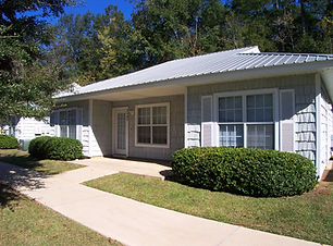 Cottages at rumba student apartments in tallahassee.jpg