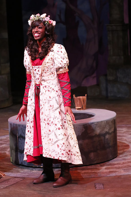 Ilasiea Gray as Cinderella