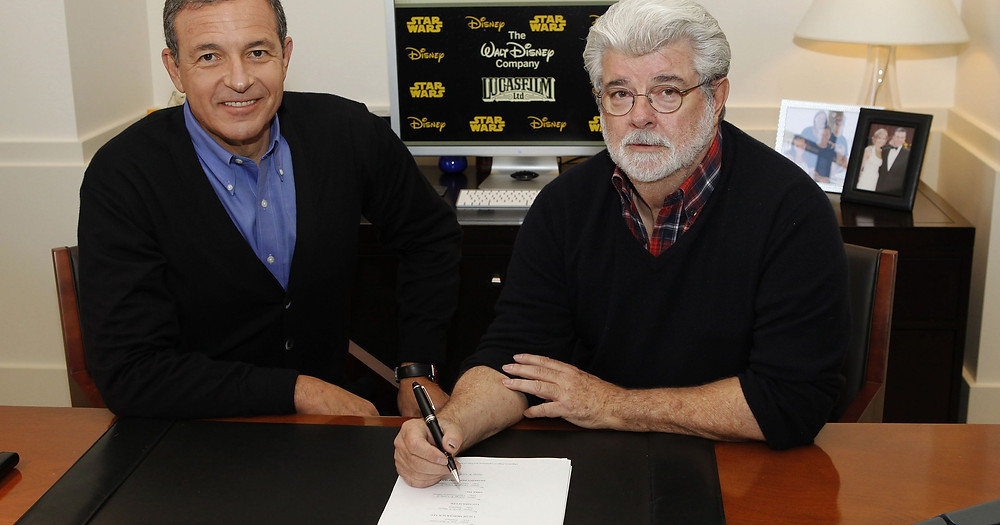Robert Iger & George Lucas signing Lucasfilm over to Disney