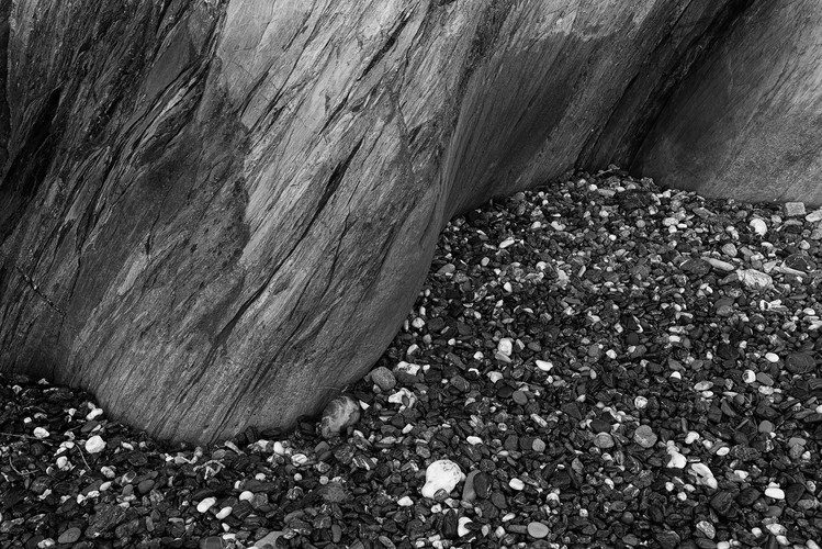 Ian Skinner, Rocks_01, 2019, Matt fine art archival inkjet print, 33 x 48 cm