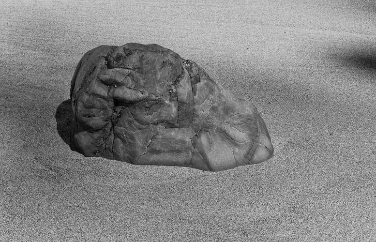 Ian Skinner, Rocks_03, 2019, Matt fine art archival inkjet print, 33 x 48 cm