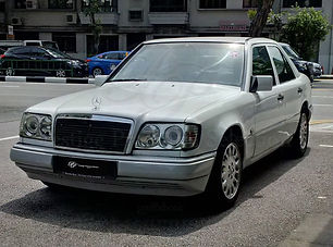 1989 Mercedes 200E.jpg