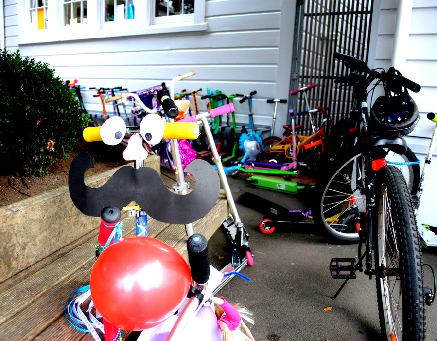 Eastern Hutt - Decorate Your Scooters