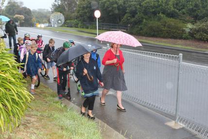 Mayor walks to Pauatahanui School
