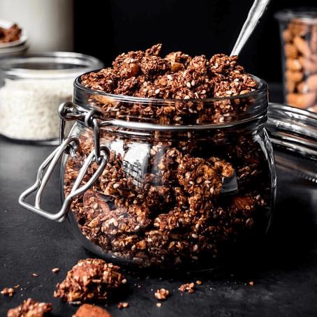 Granola com Chocolate e Manteiga de Amendoim