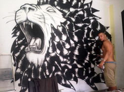 luca-rancy-graffiti-street-art-vynil lion