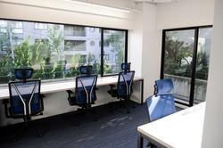 4 people office