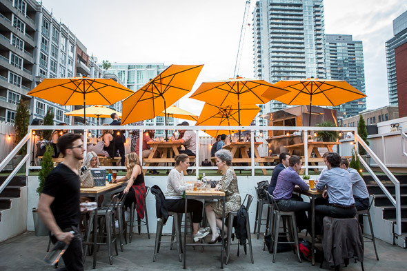 Top 5 Patios to Visit in Downtown Toronto in the Summer