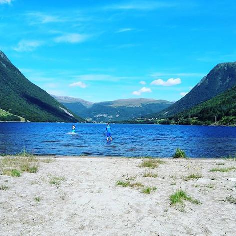 Enjoy a bath in Sørdalsvatnet