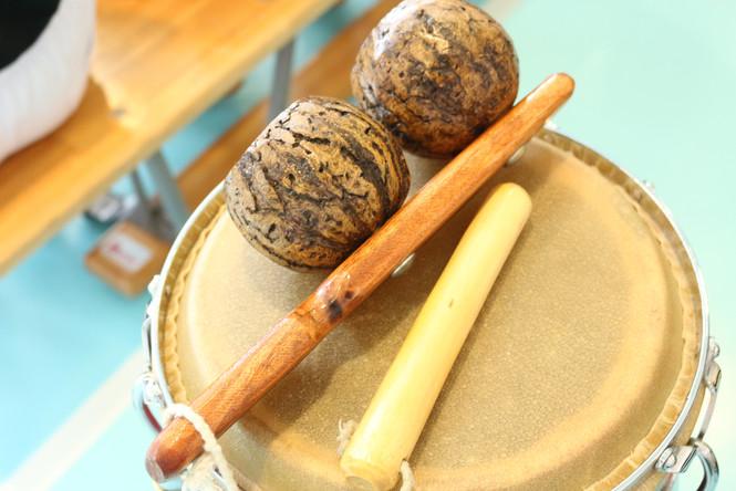 Musikinstrumenten: Agogo & Conga