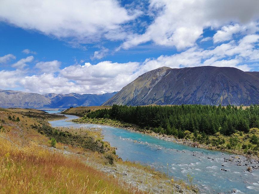 lac-et-riviere-et-montagnes-nouvelle-zelande.jpg