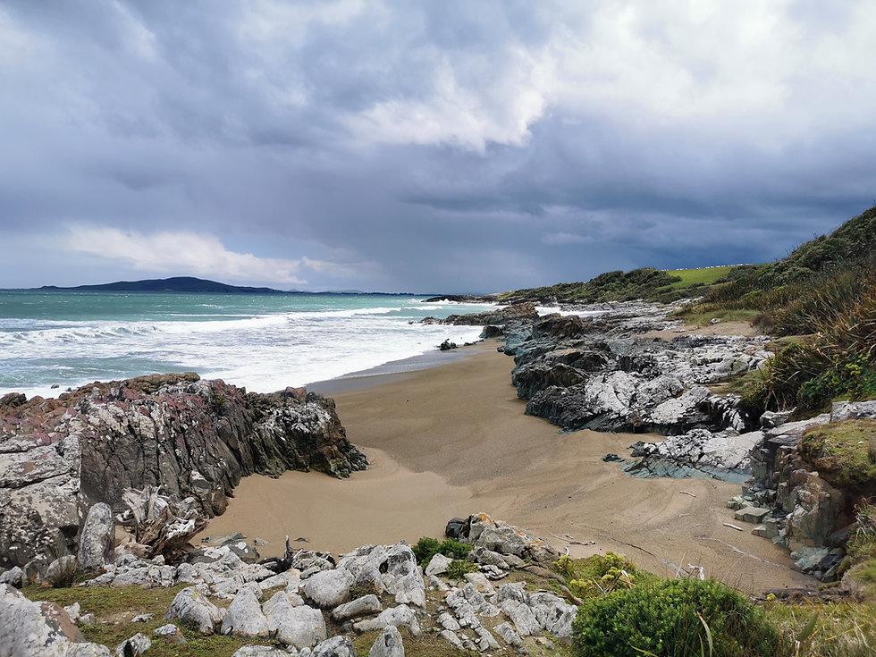 colac-bay-plage-et-ocean-nouvelle-zelande.jpg